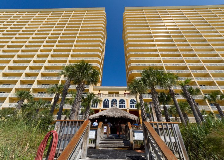 The best resort in PBCB; on the BEACH and across the street from PIER PARK!