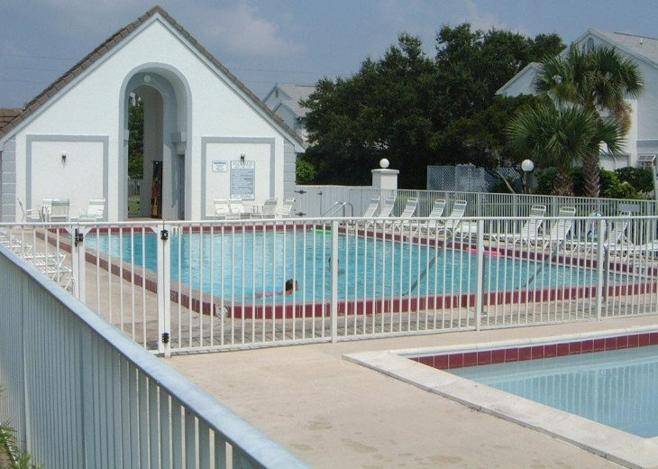4 Pools, Hot Tub, Clubhouse