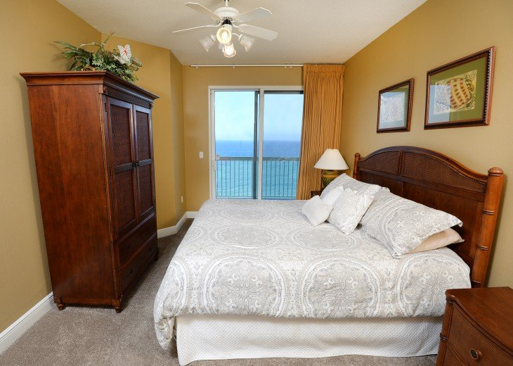 Master Bedroom (on Gulf)
