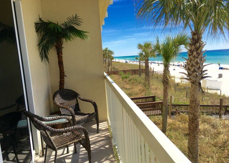 1st Floor Beach Front - Includes Private Parking + Beach Chairs (March - Oct) #35