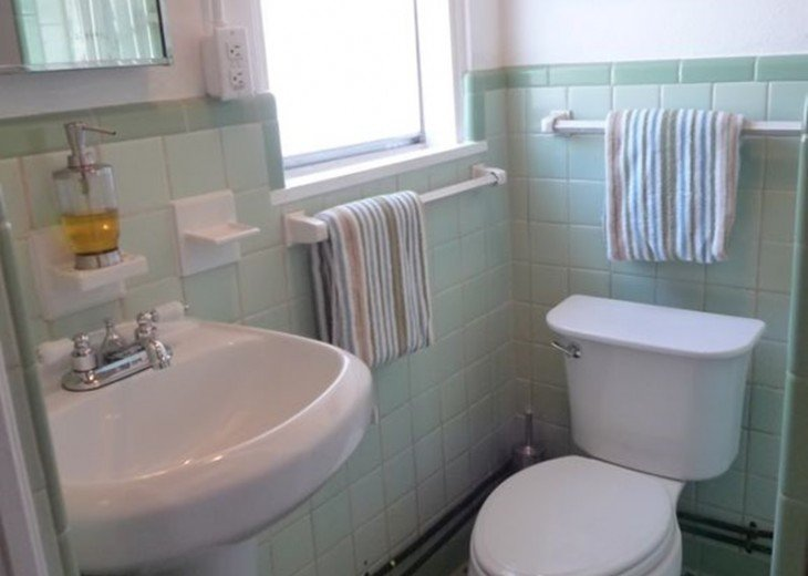 Bathroom.. Nice and clean