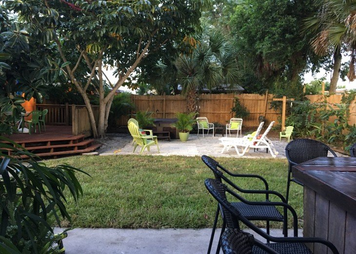 CHRISTMAS SPECIAL-Florida Beach Retreat w/Outdoor Hot Tub Just $100/night! #18