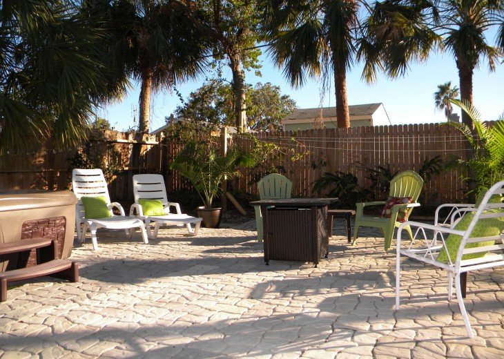 Florida Beach Retreat with Outdoor Hot Tub and Quick Walk to the Beach! #6