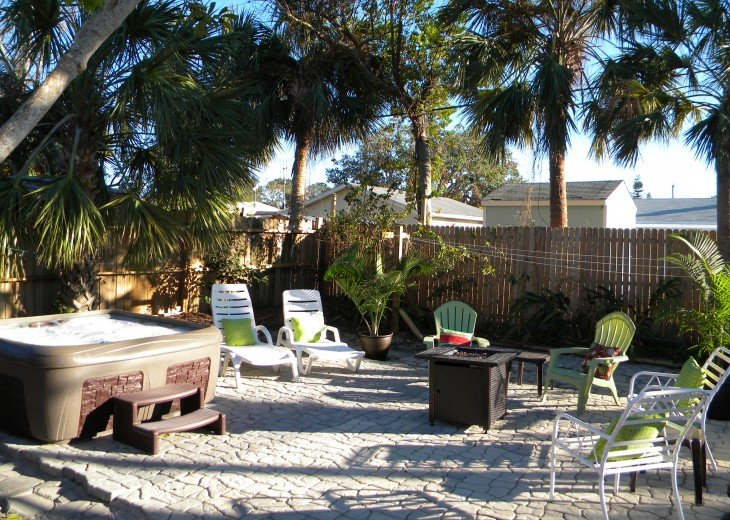 CHRISTMAS SPECIAL-Florida Beach Retreat w/Outdoor Hot Tub Just $100/night! #10