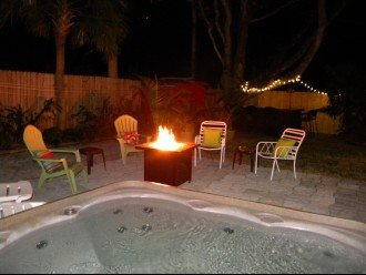 Hot tub, gas fire pit, tiki bar, and patio, all private for you!