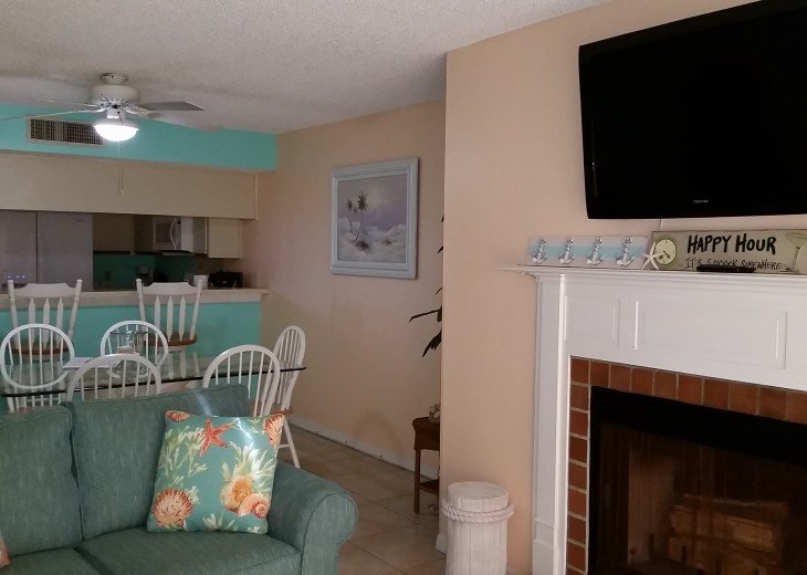 2 BEDROOM POOLSIDE BEACH CONDO #2104 #6