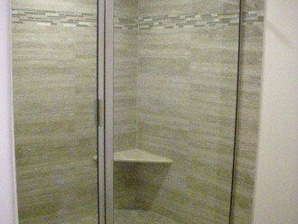 MASTER HUGE WALK-IN SHOWER