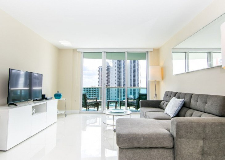 O. Reserve Premium | 1 Bed 1 Bath | Steps from the Beach #8