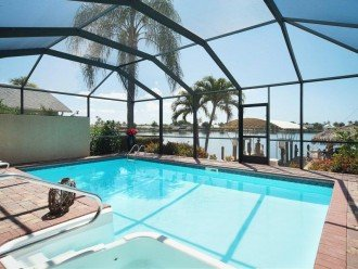 'living the Amerikan dream' in Cape Coral, Florida