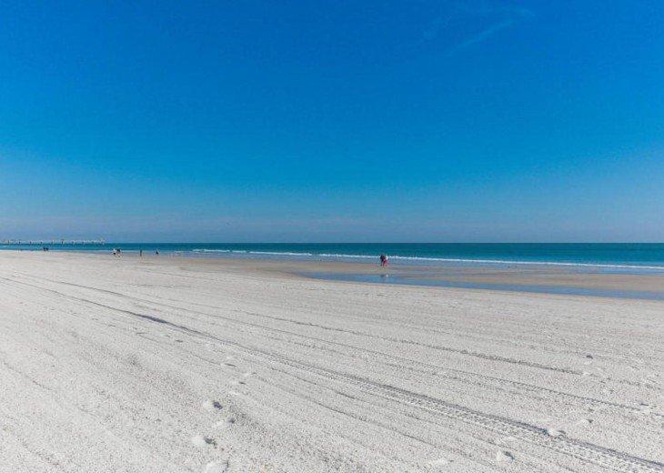 Stunning oceanfront condo #20