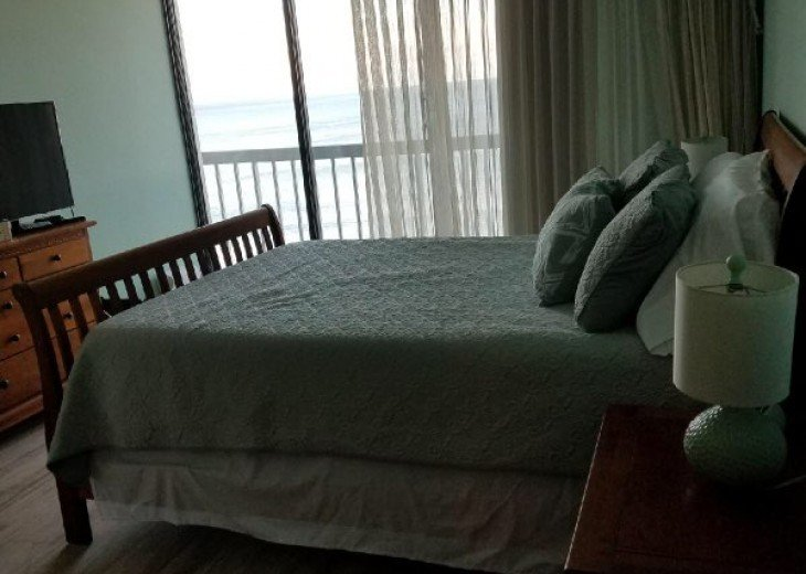 Queen Size in Master with View of Ocean