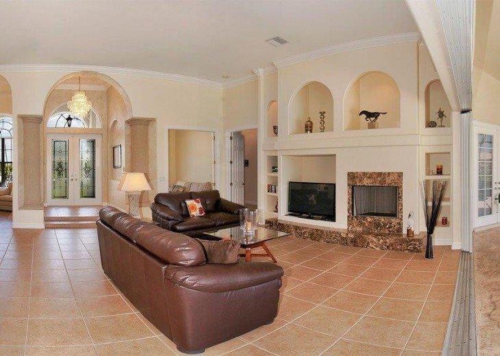 Villa Key Lime - Luxury waterfront villa with stunning pool & pool bar Tiki hut! #7