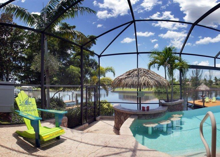 Villa Key Lime - Luxury waterfront villa with stunning pool & pool bar Tiki hut! #24