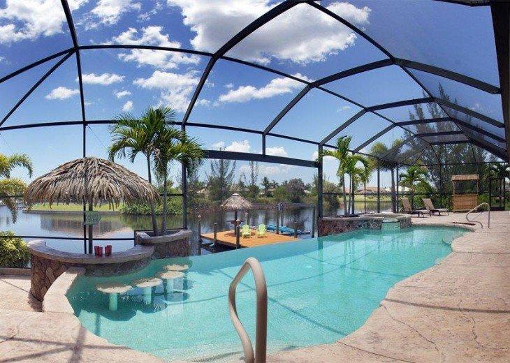 Villa Key Lime - Luxury waterfront villa with stunning pool & pool bar Tiki hut! #3