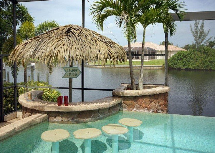 Villa Key Lime - Luxury waterfront villa with stunning pool & pool bar Tiki hut! #5
