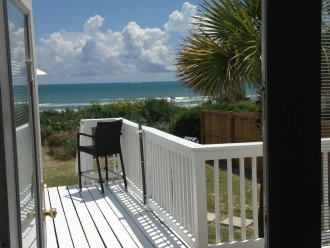 DIRECT OCEAN FRONT HOME OCEAN SOUNDS AND VIEW #1