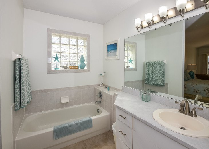 Pet-Friendly Lighthouse with Private Pool 3BR,2BA #32