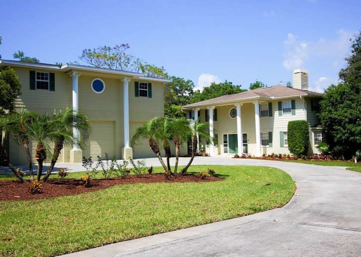 Dolphin Cove Villa brought to you by Florida Sun Vacation Rentals
