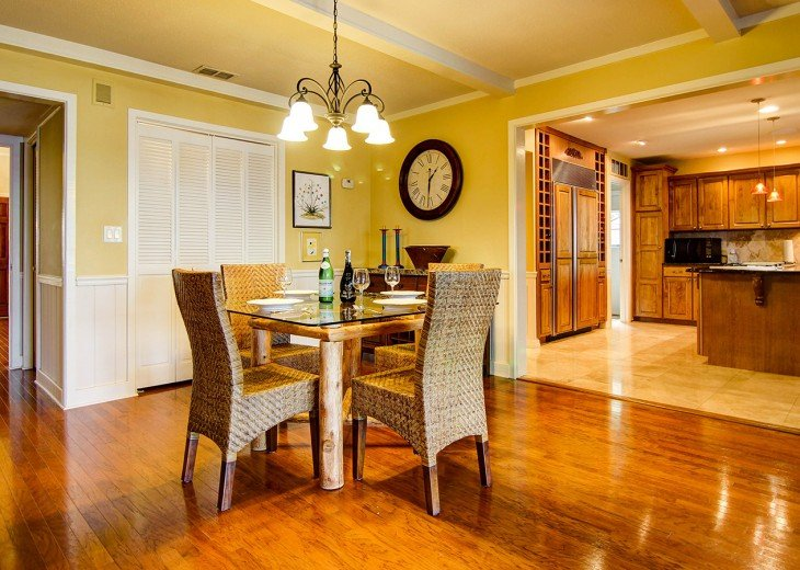 Breakfast nook brought to you by Florida Sun Vacation Rentals