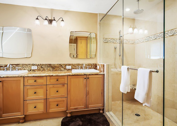 Unbelievable master bath room and walk in shower