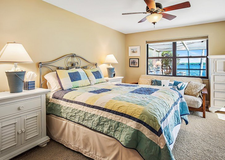 Lake side queen bed room
