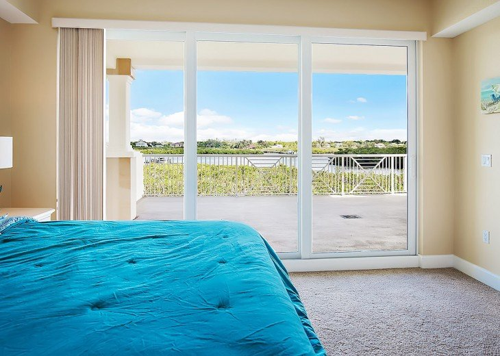 Views of the inter coastal from your bed