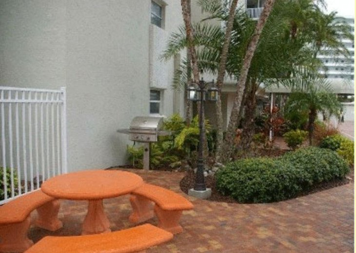 Beachfront Penthouse - Expansive Gulf View from Every Room! Wifi, linens, chairs #23