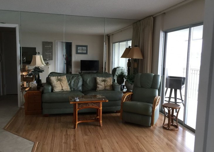 Beachfront Penthouse - Expansive Gulf View from Every Room! Wifi, linens, chairs #6