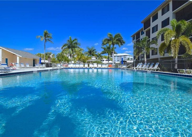 Fort Myers Beach Vacation Condo - Newly Renovated - Resort Pool, WiFi and Dock #3