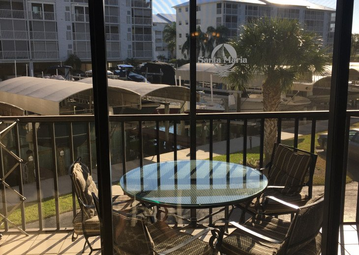Fort Myers Beach Vacation Condo - Newly Renovated - Resort Pool, WiFi and Dock #14