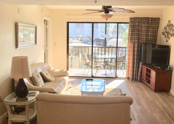 Fort Myers Beach Vacation Condo - Newly Renovated - Resort Pool, WiFi and Dock #5