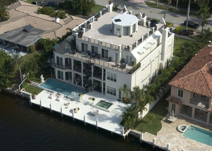 Aerial view of 3000sf rooftop deck, pool and dock
