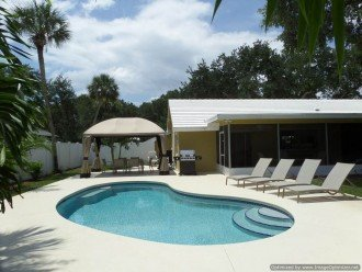 Beautiful Island paradise, 3 Bedroom 2 bath ranch, family and pet friendly. #1