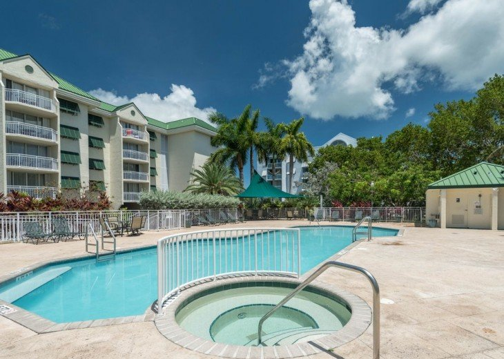 Peaceful 2 BR Condo with All Amenities #5