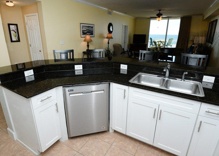 Tidewater 102, Perfect for large groups. 3 parking spaces, Beach Service #9
