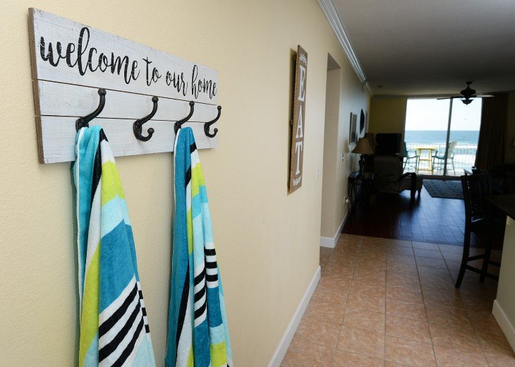 Tidewater 102, Perfect for large groups. 3 parking spaces, Beach Service #11