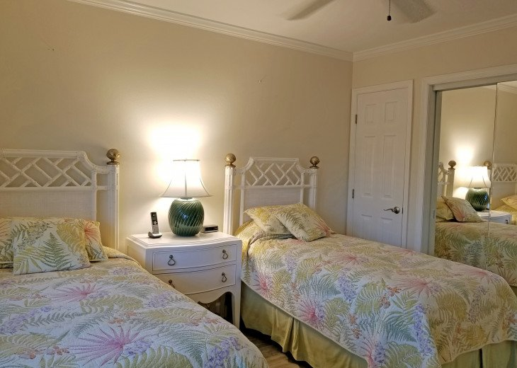 Land's End: Gulf-front Luxury, WIFI, HDTV, Free phone, Beautiful #25