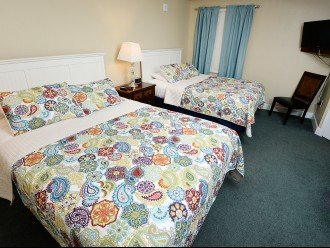 Tidewater 402, Large 1865 sq.ft. 3 parking passes and free beach service #1