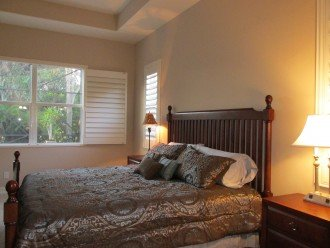 Luxurious Master Bedroom w/ King bed & door to Lanai