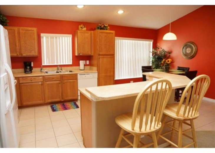 Discover this fantastic 5 bedroom vacation near Disney #2