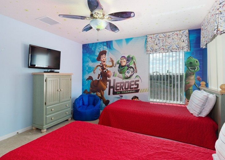 Disney Themed bedrooms and a South Facing Pool and SPA in Calabay Parc #4