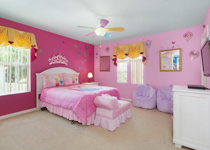 Disney Themed bedrooms and a South Facing Pool and SPA in Calabay Parc #5
