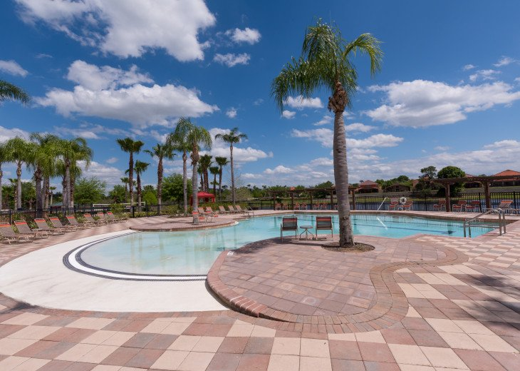 Stay in this 5 Br Pool & Spa home with game room in Aviana Resort. Sleeps 12 #32