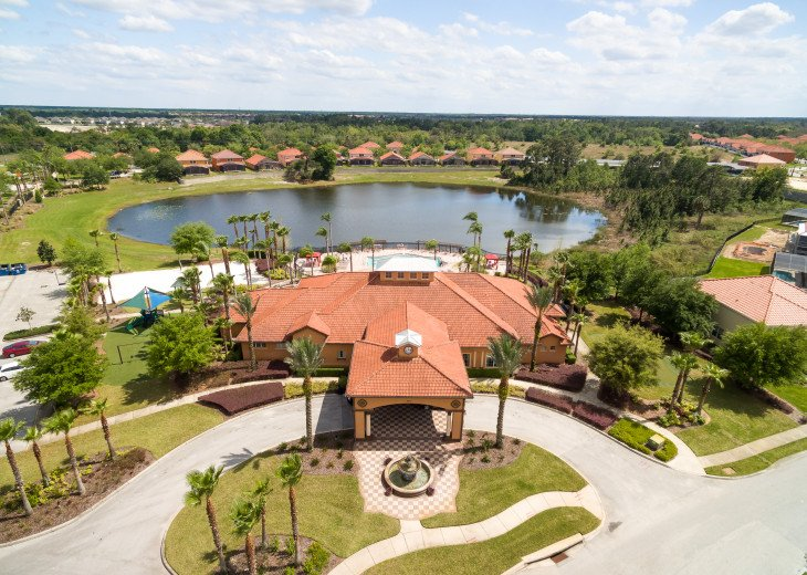 Stay in this 5 Br Pool & Spa home with game room in Aviana Resort. Sleeps 12 #29