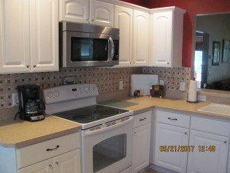 This kitchen is fully equipped. Lots of working space. Great for entertaining