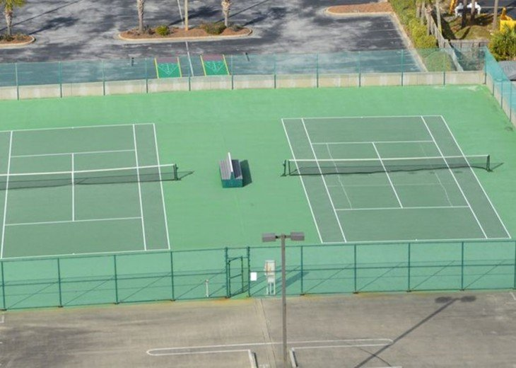 Pelican Beach Tennis Courts