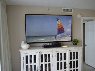 """65"""" Flat Screen TV in the Living Room!"""