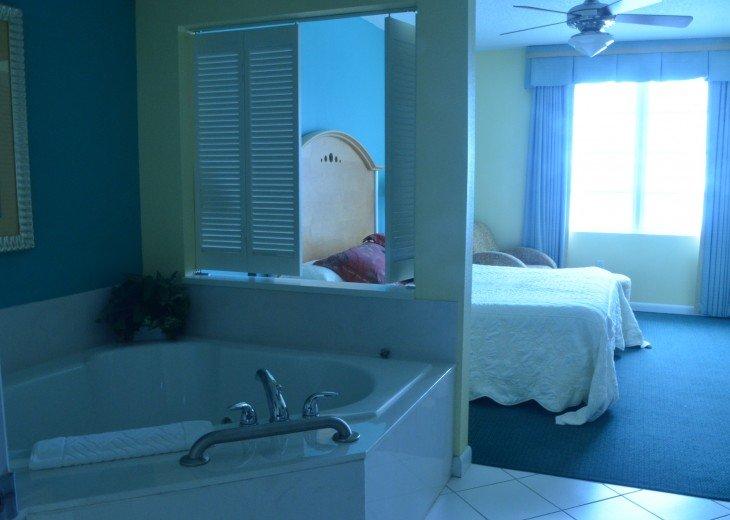 Masterbath with jacuzzi tub