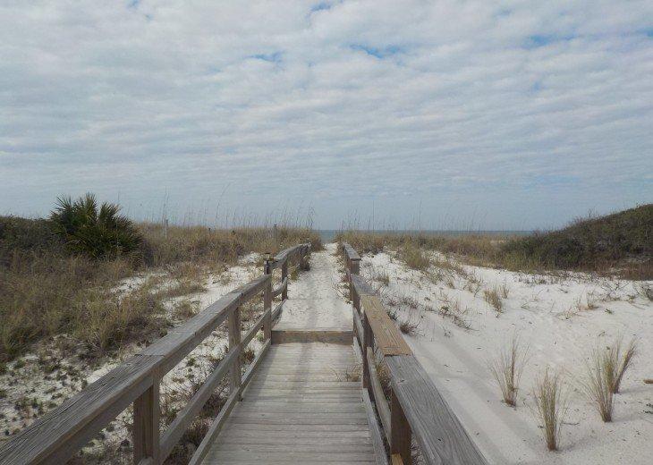 CapeSide Breeze, 1.32 minute walk to Gulf, Pet friendly #30