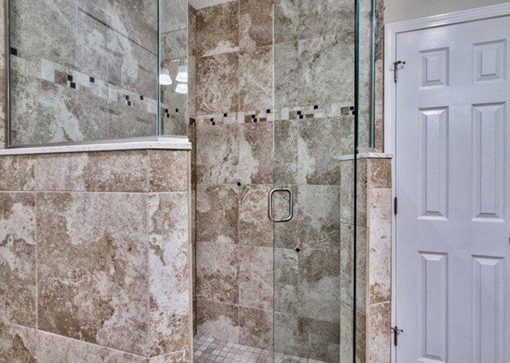 Walk in FGlass/Tile Shower Rain Head